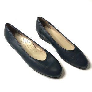 SoftSpots Stephanie SlipOn Comfort Flat Shoes